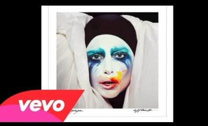 """Lady Gaga """"Applause"""" Single Released in Full Following Hack: Listen Now!"""