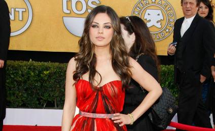 SAG Awards Fashion Face-Off: Mila Kunis vs. Natalie Portman