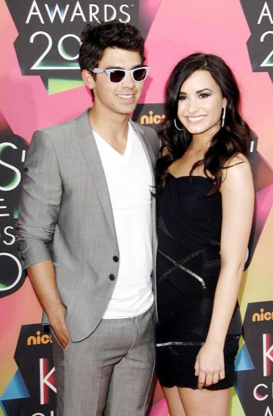 Demi Lovato and Joe Jonas Picture