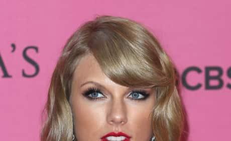 Taylor Swift Looking Good