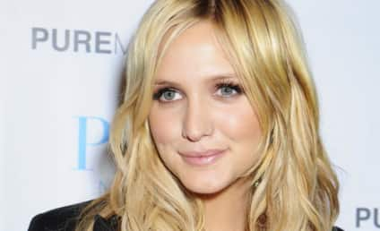Celebrity Hair Affair: Ashlee Simpson Reverts to Red