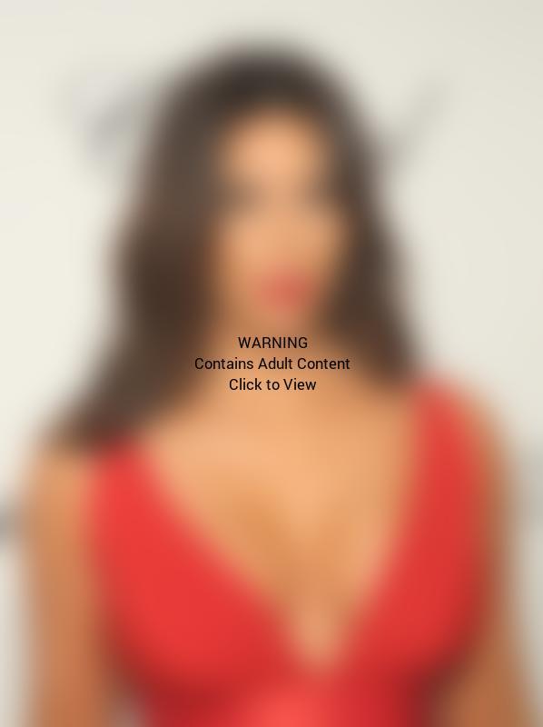 Kim Kardashian, Large Breasts at Oscars Party