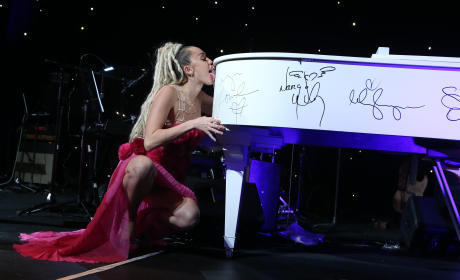 Miley Cyrus: The Los Angeles LGBT Center's 46th Anniversary Gala Vanguard Awards
