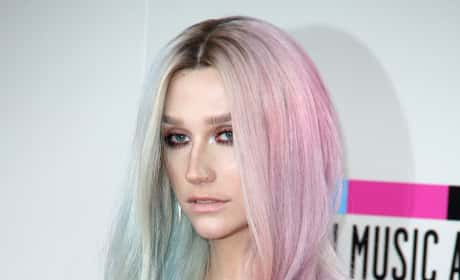 Ke$ha on AMA Red Carpet