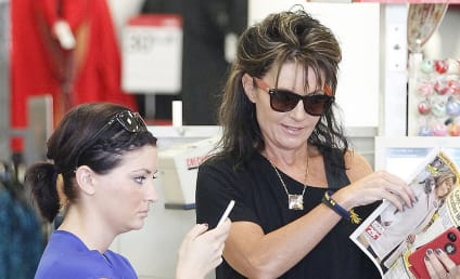 Sarah and Willow Palin Read Some Celebrity Gossip