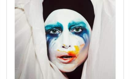 """Lady Gaga Pushes Fans to Watch """"Applause"""" 150 Times, Billboard Responds to Tactic"""