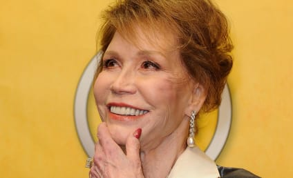 Mary Tyler Moore Dies; TV Legend Was 80 Years Old