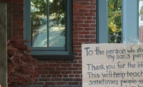 Mom Shames Pumpkin Thief With Sign Which Went Viral