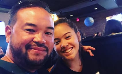 Jon Gosselin & Hannah Throw MAJOR Shade By Rooting For Kate's Hated Philadelphia Eagles!