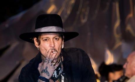 Johnny Depp Smokes