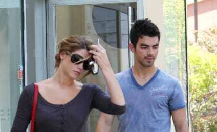 Spotted Together: Ashley Greene and Joe Jonas!