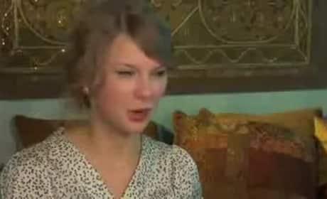 """Taylor Swift Talks """"Back to December"""" Lyrics"""