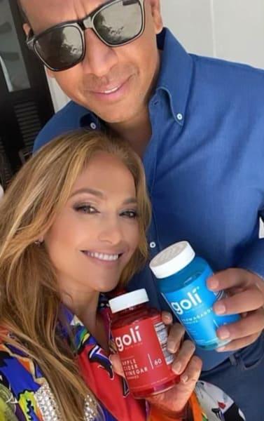 Alex Rodriguez and J Lo Selfie