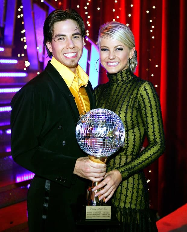 Apolo anton ohno and julianne hough